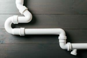 トイレの給水管からの水漏れはパッキンが原因?修理費用も解説