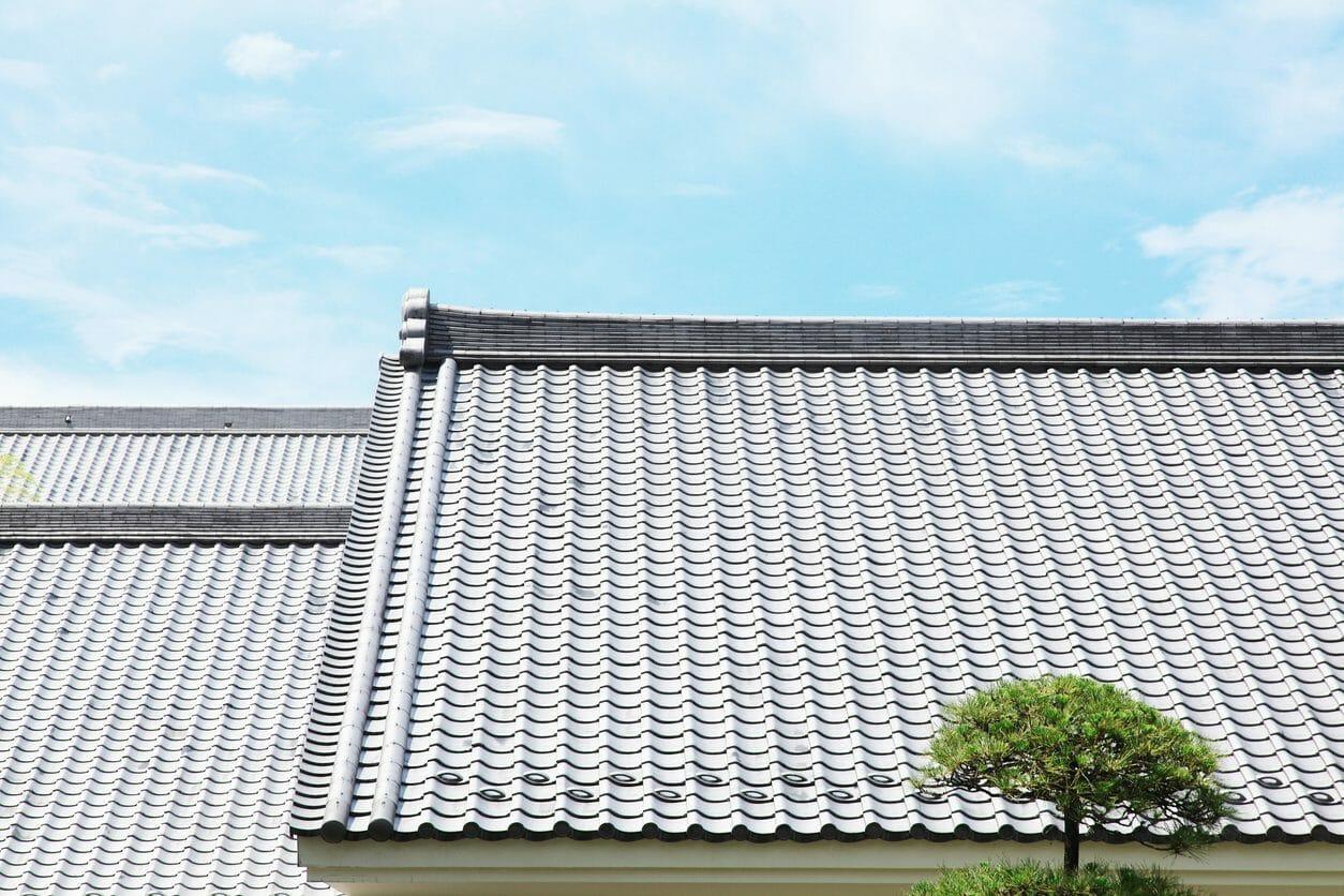 屋根や瓦の葺き直し工事のリフォーム費用・価格の相場は?
