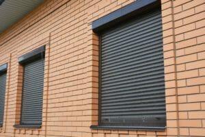 窓の目隠しリフォームの価格・費用の相場は?