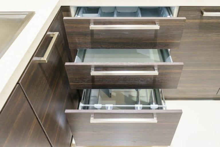 キッチンの棚の収納リフォームにかかる費用や価格は?