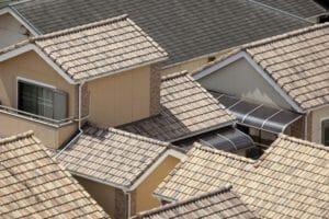 屋根リフォームの種類や価格はどれくらい?