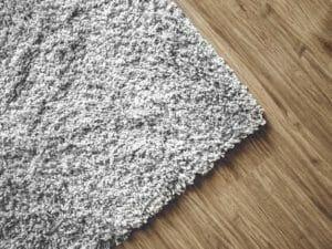 マットで床が変色したときの対処法は?
