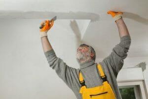 天井 穴 修理
