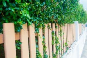 外構工事でフェンスを設置する場合の種類別設置費用を解説!