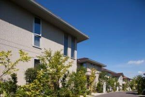 外壁のひび割れ原因と補修方法について