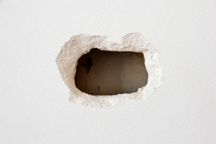 外壁の穴塞ぎの方法や基本情報について(サイディング・モルタル編)