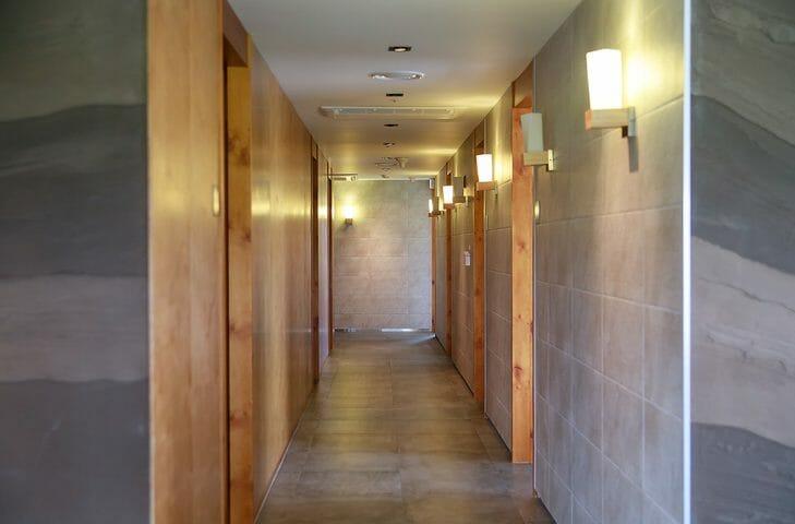 マンションでも可能な玄関ドアのリフォーム方法とは?