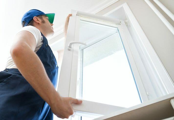 窓の建付けを修理する方法やポイントについて