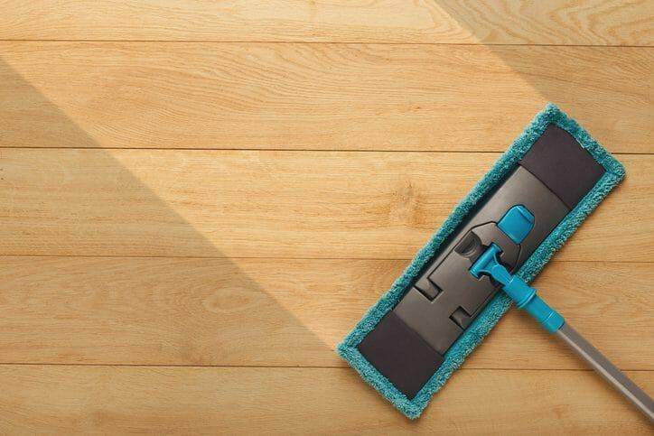 床がカビて変色してしまったときの対処法は?