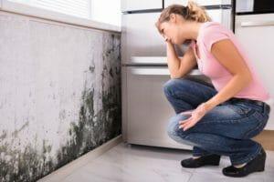 天井の雨漏りが原因でカビが発生した場合の対処法を解説!