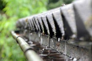 雨樋の金具をステンレスにした場合の費用について