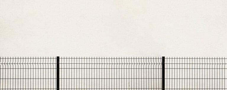 外構にフェンスや扉を設置する理由と選び方について