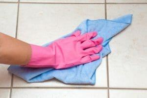 トイレの床が変色!原因とトイレの床リフォームのポイントとは?