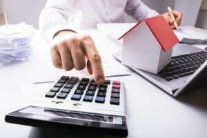 住宅の建て替えにかかる不動産取得税について詳しく解説!