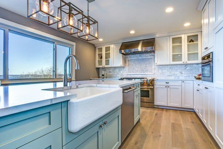 二世帯住宅に建て替える際のポイントや費用について