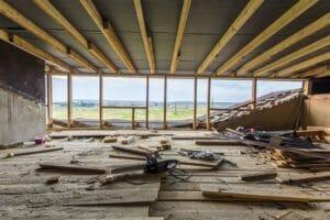 築年数は何年で建て替えるの?リフォームとの違いについて
