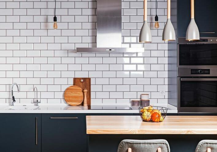 ローコスト住宅でキッチンを作るポイントは?ありがちな後悔についてもご紹介