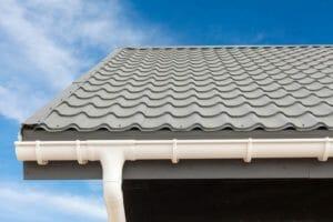 トタン屋根の葺き方や種類について