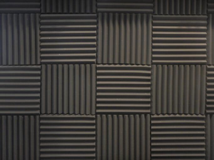 防音性に優れた地下室のある家を建てる際のメリットや費用相場を解説
