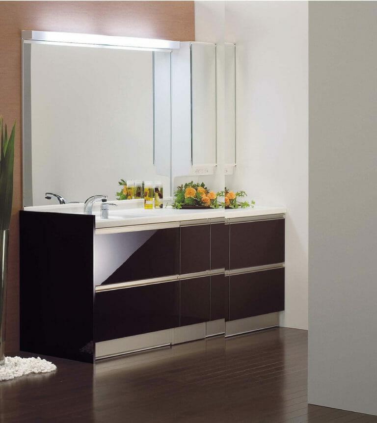 トクラスの洗面台で鏡を交換するには?価格や機能をご紹介